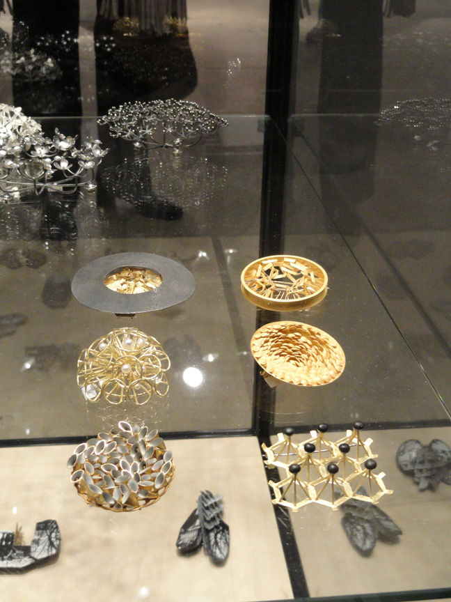 Jacqueline Ryan brooches in the flesh! Unbelievably delicate and intricate – it's hard to get a scale of these pieces, but they are only 3 cm in diameter.